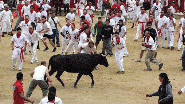 مهرجان سان فيرمينس في مدينة بامبلونا الإسبانية