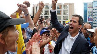"""Venezuela : le président du parlement s'autoproclame """"président"""" par intérim"""
