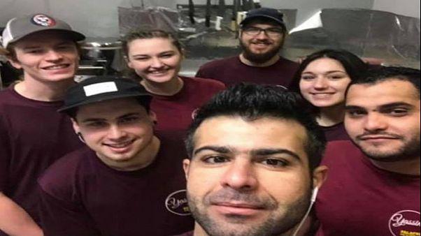 """لاجئ سوري يقدم """"الفلافل"""" مجانا للموظفين الحكوميين الأمريكيين بسبب الإغلاق المؤقت"""
