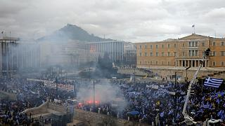 على وقع الاحتجاجات.. برلمان اليونان يستعدّ للتصويت على الاسم الجديد لمقدونيا