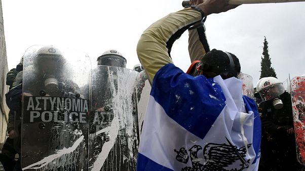Grecia: l'accordo sul nome della Macedonia approda in Parlamento