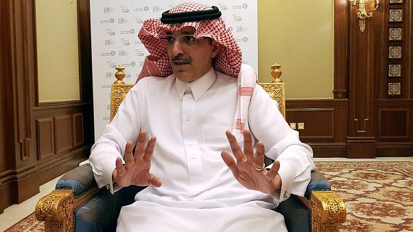 """السعودية تعلن دعمها لبنان ماديا """"لحماية استقراره"""""""