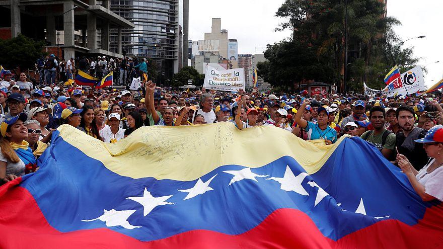 Le Venezuela est-il au bord d'un coup d'Etat?