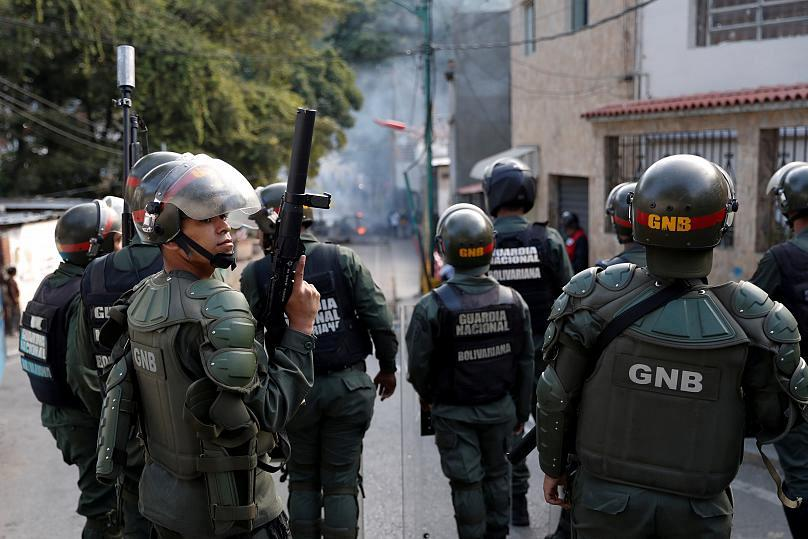 USA orders non-emergency embassy staff to leave Venezuela