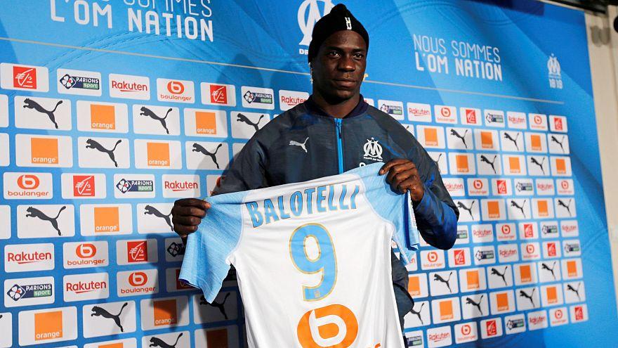 Bemutatta Balotellit a Marseille