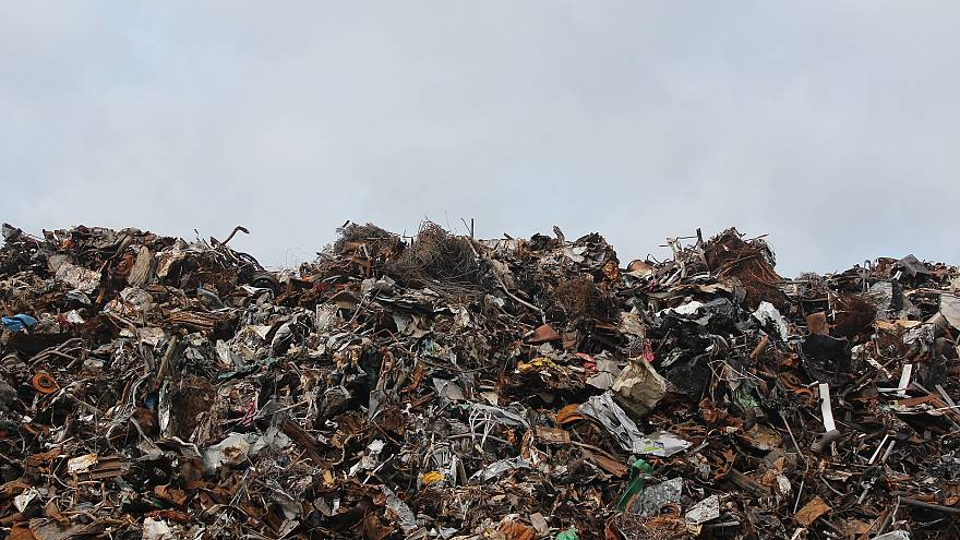 EU citizens throw away increasing amounts of waste for fourth year in a row: report