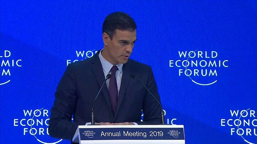 Pedro Sánchez defiende en Davos la solidez de la economía española