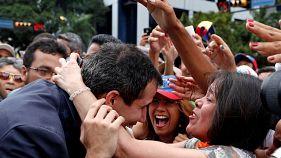 Venezuelas Oppositionschef Guaidó erklärt sich zum Präsidenten