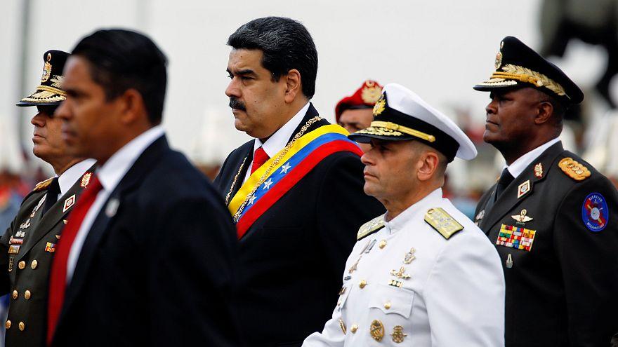 """الرئيس الفنزويلي يقطع العلاقات مع الولايات المتحدة ويدعو الجيش إلى """"الحفاظ على الوحدة والانضباط"""""""