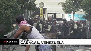 Venezuela'nın başkenti Karakas'ta Maduro karşıtları polisle çatıştı