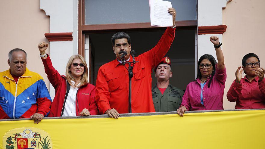 بحران سیاسی ونزوئلا؛ مادورو از قطع رابطه با آمریکا خبر داد