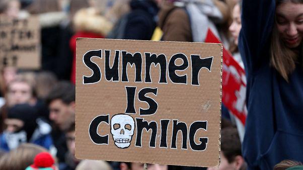 """Kurz vor dem Weltuntergang: """"Doomsday Clock"""" bleibt bei 2 Minuten vor 12"""