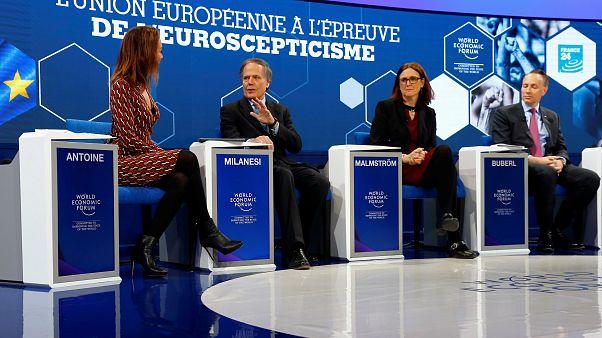 Davos: Nagy lehet a baj