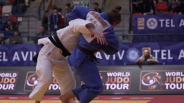 الجيدو: البطلة الأولمبية الكوسوفية ماجليندا كيلماندي تحرز الذهب في جائزة تل أبيب