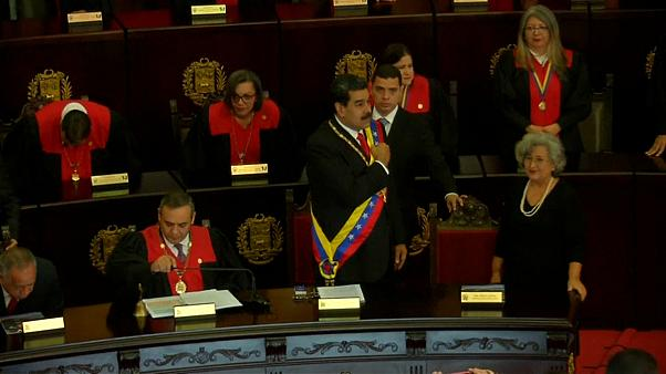 Machtkampf in Venezuela: Das Militär warnt vor Bürgerkrieg, Maduro weist US-Diplomaten aus
