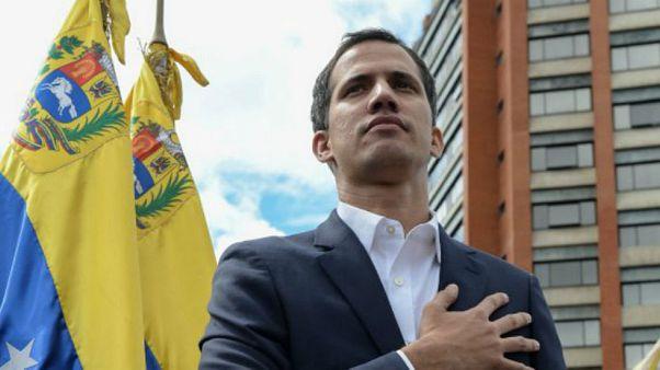 Kendini başkan ilan eden Guaido: Maduro için af söz konusu olabilir