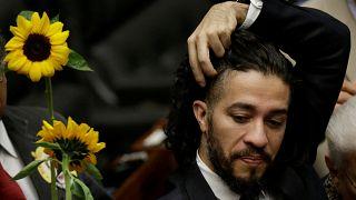 Brezilya'da Bolsonaro etkisi: Ölüm tehditleri alan eşcinsel vekil ülkeyi terk ediyor