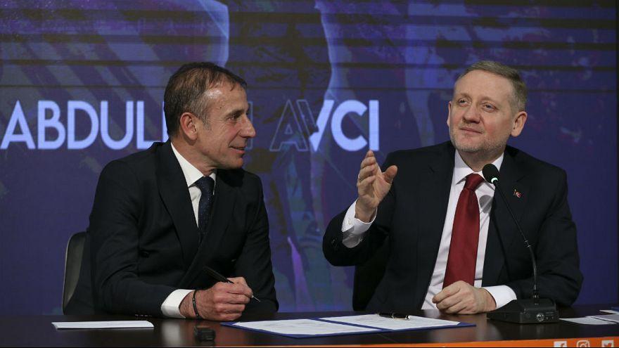 Başakşehir Başkanı Göksel Gümüşdağ ve teknik direktörü Abdullah Avcı