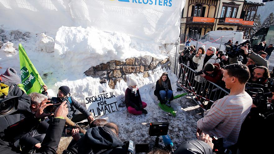 """Protest: Weltelite in Davos """"zerstört unseren Planeten"""""""