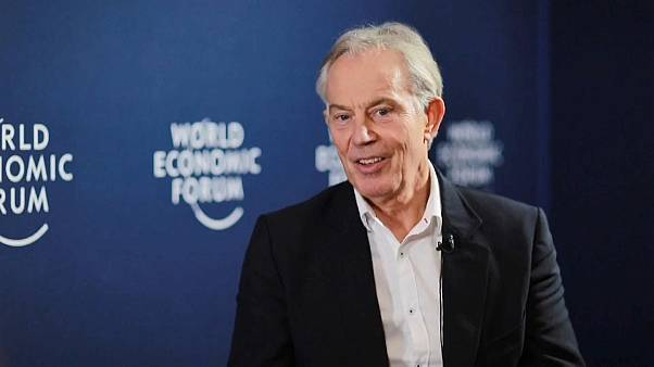 Tony Blair en Davos: Un Brexit sin acuerdo sería muy perjudicial para la economía británica