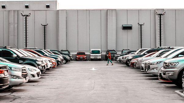 Klage gegen Frauenparkplätze in Eichstätt: Stadt stellt neue Schilder auf