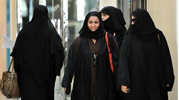 گروهی از زنان عربستانی در ریاض