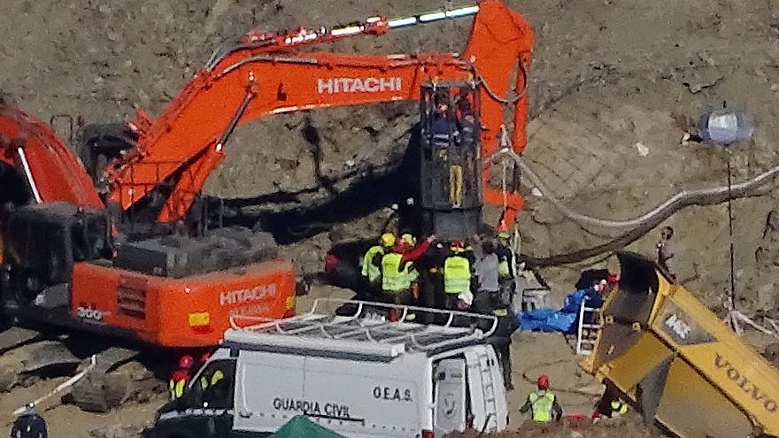 Spanish miners edge closer in efforts to reach 2-year-old boy trapped in well