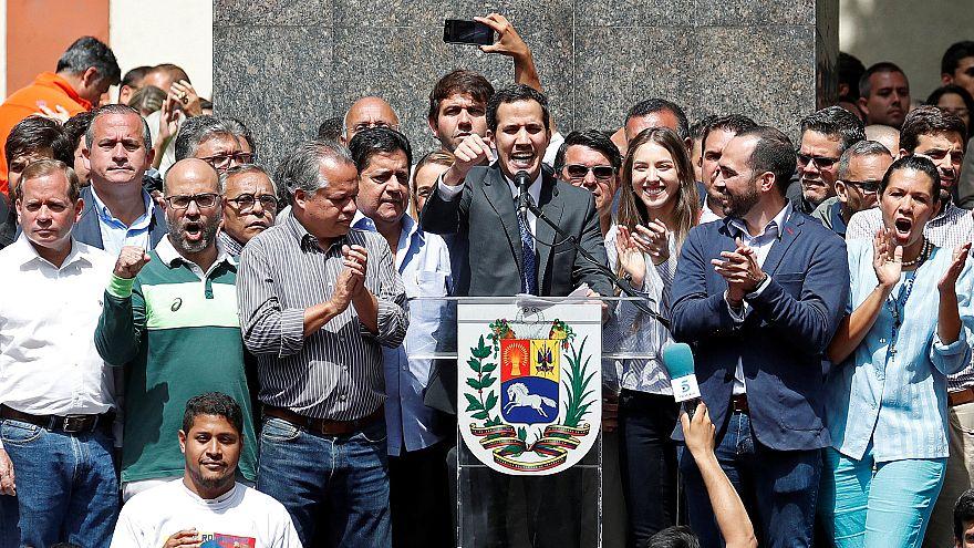 """Guaidó pide el apoyo al Ejército de Venezuela: """"Pónganse del lado del pueblo"""""""