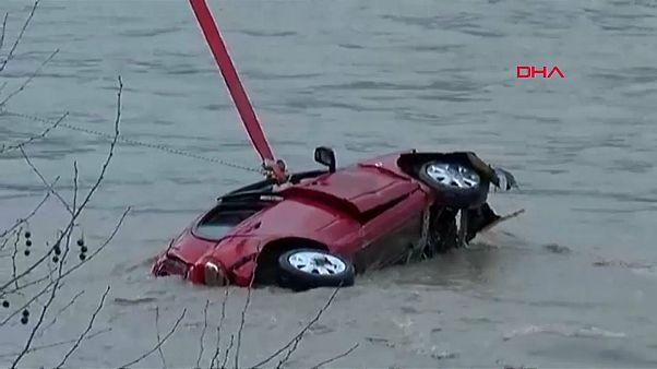 طوفان در آنتالیا خسارات گسترده ای بر جا گذاشت