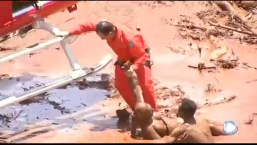 Crolla una diga in Brasile: morti e dispersi, come tre anni fa