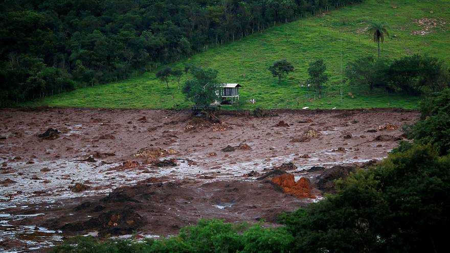 Colosal tragedia tras la rotura de una presa minera en Brasil
