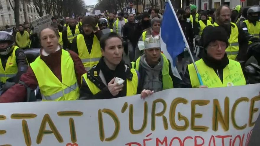 Divisions emerge in the French yellow vest movement