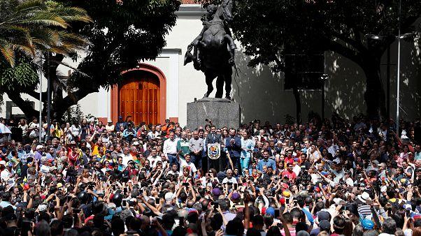 Ευρωπαίοι προς Καράκας: Ελεύθερες εκλογές ή πρόεδρος ο Γκουαϊδό