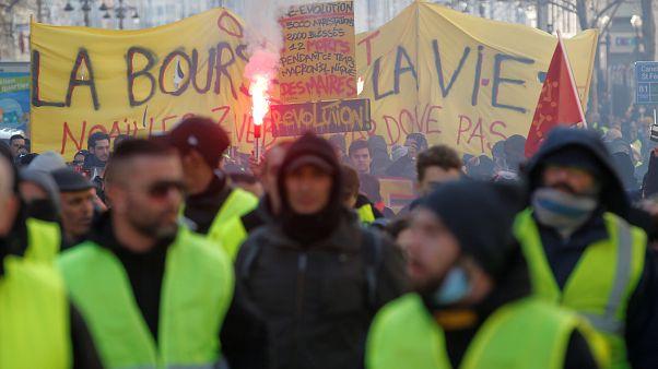 Fransa'da Sarı Yelekliler'in gösterileri 11'inci haftasında