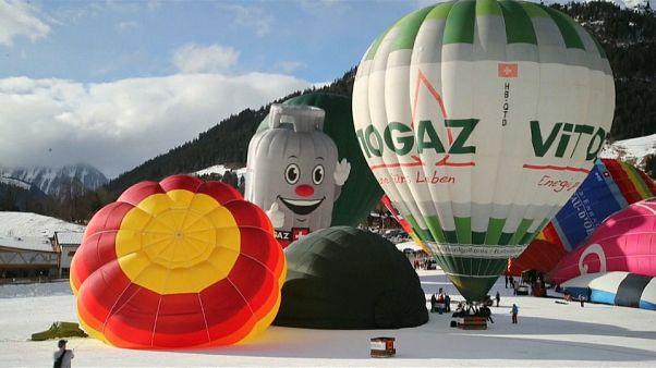 شاهد: انطلاق مهرجان المناطيد في مدينة شاتو أوكس السويسرية