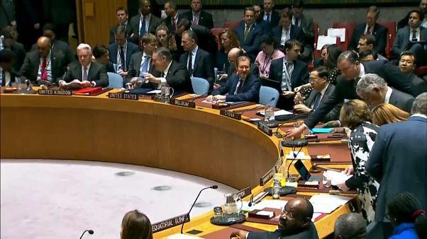 سجال في مجلس الأمن حول فنزويلا.. بومبيو يدعو لتأييد غوايدو وموسكو تدين موقف واشنطن
