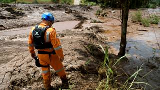 34 muertos por la rotura de una presa minera en Brasil