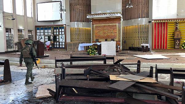 Duplo atentado mortal faz 20 mortos