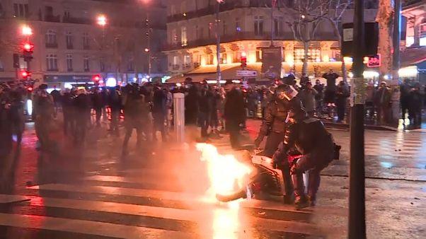 مظاهرات ليلية وسط باريس 26-01-2019