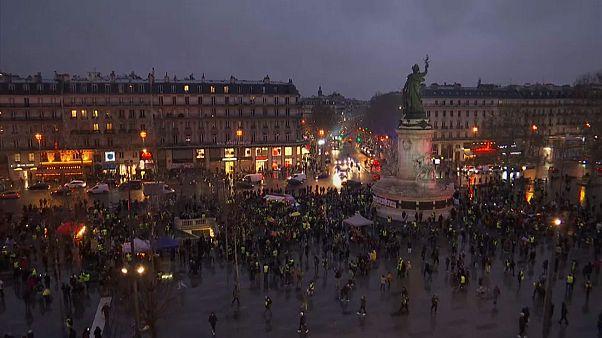 La courte nuit des gilets jaunes à Paris