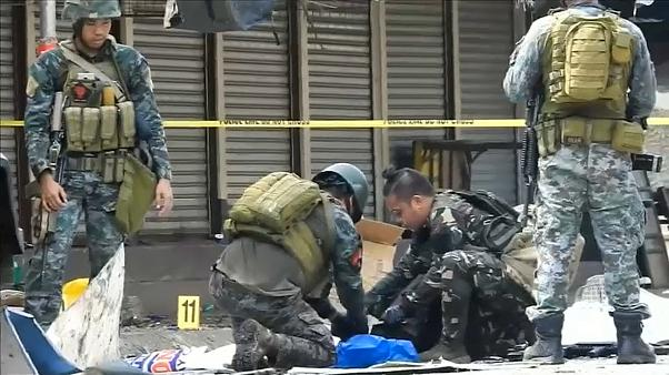 """Filipinas prometem """"esmagar"""" autores de duplo atentado"""