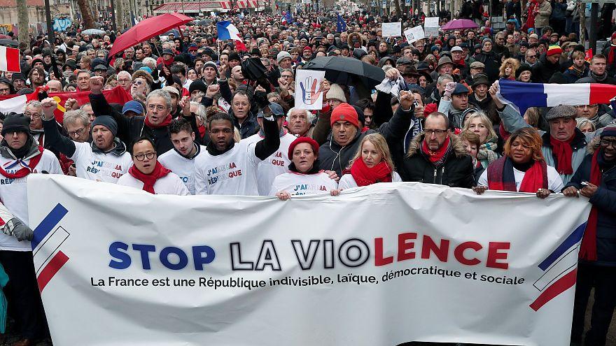 پس از جلیقه زردها، شال قرمزها در پاریس تظاهرات کردند
