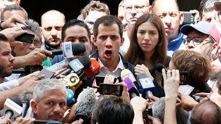 """زعيم المعارضة الفنزويلية خوان غوايدو: """"أنا الرئيس الشرعي الوحيد لفنزويلا"""""""
