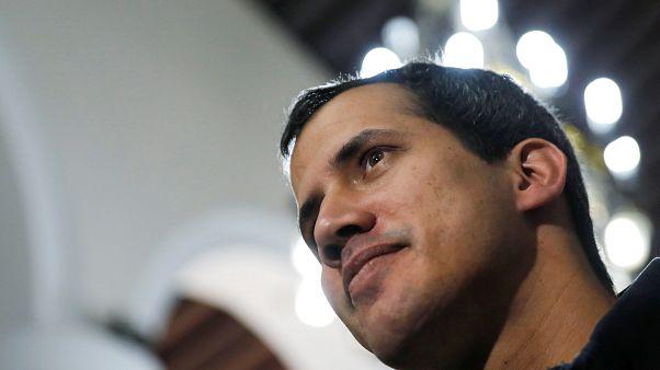 Venezuela: Guaidó sichert Soldaten Straffreiheit zu