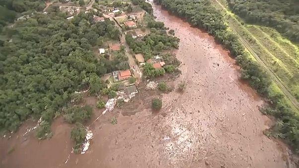 Tödlicher Dammbruch in Brasilien: Suche nach Vermissten wiederaufgenommen