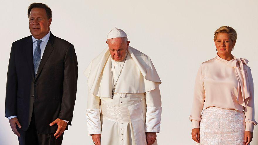 El papa Francisco clausura la JMJ con una multitudinaria misa en Panamá