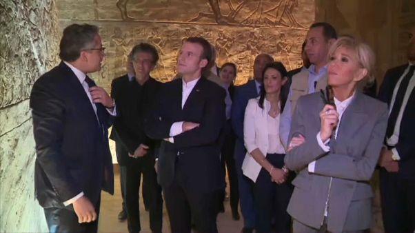 شاهد: إيمانويل ماكرون وعقيلته بريجيت يزوران معابد أبو سمبل في أسوان