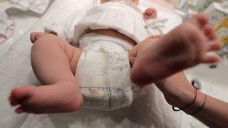 AB ülkelerinin tamamında babalık izni en az 10 gün olacak