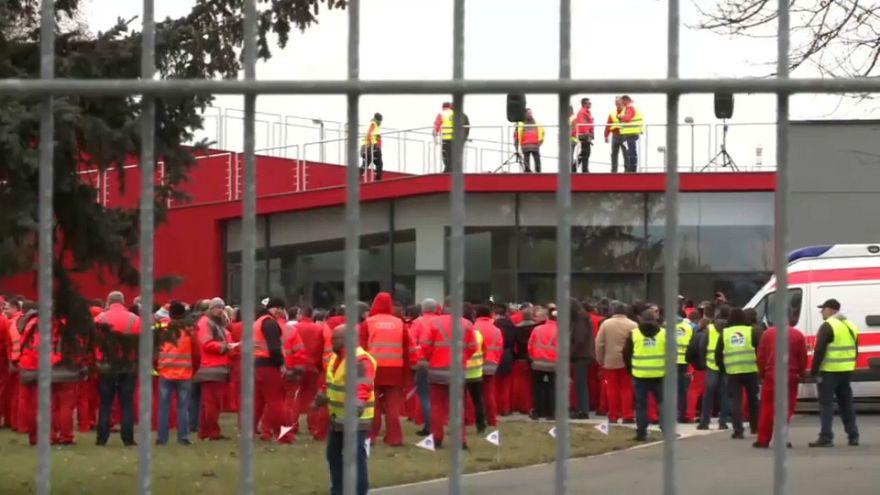 Audi-Streik in Ungarn legt Produktion in Ingolstadt lahm