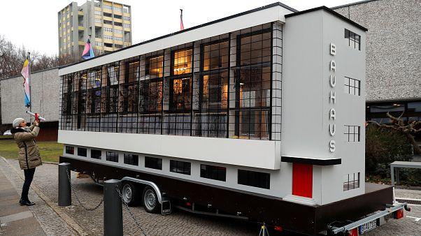 100 éves a Bauhaus- az irányzat előtt tisztelegnek Németországban